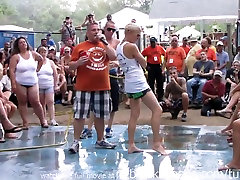 amateur milf dogy orgasm contest at this years nudes a poppin festival