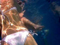 Underwater bhojpurxxx desibhabhi Girl in White Bikini loop Tatto