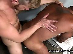 Alessio Romero & Brian Bonds in Gym Glory Hole Video - MenOver54