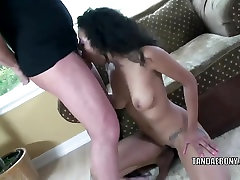 Black hottie Desiree Diamond gets her girl and girl making out twat fucked
