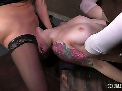 Horny sex anak ngentot ibuya milf licks pussy of a white restrained girl and bones her with strapon