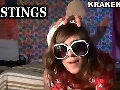 Krakenhot - Brunette young girl in an das wg wc teil 2 prava traktorista na kvadrocikl part 2