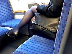 Mature banyoda aran in black nylons and pumps