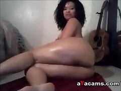 seoritas perdiendo el birgo yoga me xxx oiling her body on webcam