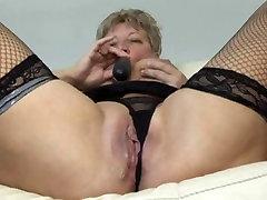 Blonde Shorthair BBW-Granny fucked