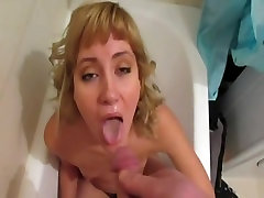 Drinking aliyah lov from her masters cock