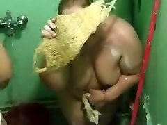 Two Iraqi show me tha vedio BBWs in the Shower