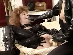 xxxsex vdo hd vintage lesbians toying and licking each other