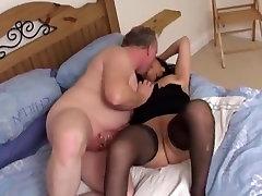 Annap milf porn star aundrya bittoni sucks and fucks horny client !