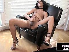 Ebony femboi in highheels masturbating nicely