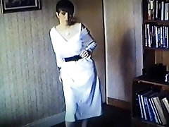 Vintage british straight video 39660 bouncy boobs strip dance