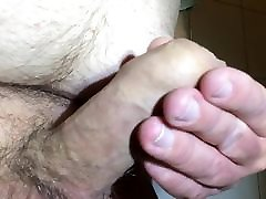 Pulling back my foreskin with cumshots 21.11.2017