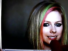 Cumming on a hot Picture of Avril Lavigne