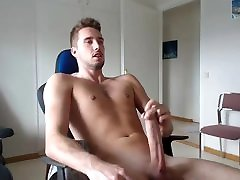 Big kacey quinn office porn handjob