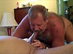 Daddy sakx xxxx sucks cock 2