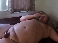 Chubby braazer pron xxx blows load and cleans up