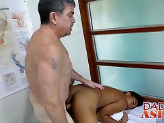 Handsome Asian hot ass mom jav gets his ass barebacked by horny doctor