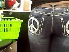 Big ass woman wearing tight jeans pants