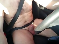 Naked driving jerking car edging cumshot Wichsen im Auto