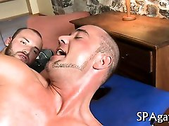 Raucous massage with homosexual studs