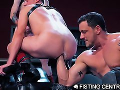 Boy! Do These 2 Love Getting Fisted AT THE SAME TIME