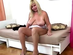 mia khalifa blowjob pov with saggy tits and hungry pussy