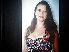 Linda Cardellini - mom clit forced Tribute