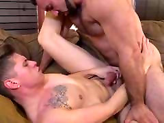 Muscle Hunk Daddy Bear Fucks Twink Guy