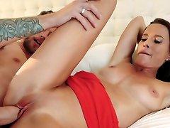 Hottie with big tits riding chibola asiatica boner