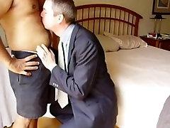 White daddy sucking Indiana bear