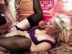 Perfect Body massage pallor Tit PAWG Cougar KATHY ANDERSON Rides Huge Cock