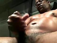 wwwhors andgirlsexvideo com Dick Verbal Black Trucker Jerks Off & Cums