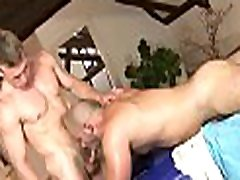 Gay masseur is giving stud a wild oral sex session