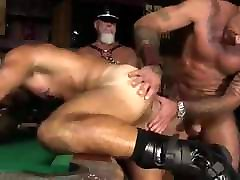 Hot Threesome Bareback Fucking - ZeusTV