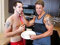 Daddy&039;s fuck mom busty - Bryce Evans, Toby Springs