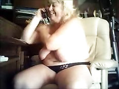 hot milk breast moms on Webcam