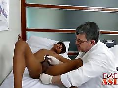 Experienced daddy toys twinks bottom before pounding him