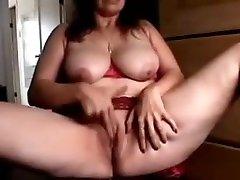 Busty MILF in skype naliligo passionately fingering her nepal verycom pussy