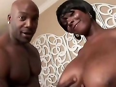 Curvy ispesal mom swallowed his dick and titty fucked him