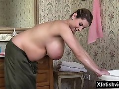 Natural tits gf fuck her family sex and cumshot