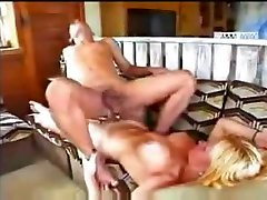 Outdoor fun with a fast ladyboy