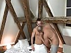 Homo hunk loves to get his anal tunnel screwed