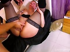 Voluptuous Maid Serves Her Pussy And Ass Eagerly.one aunti four cock