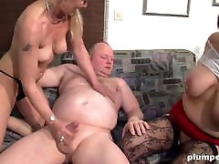 Chubby and skinny matures have a dirty German threesome
