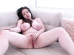 Amateur film print video camgirl with huge tits posing on webcam