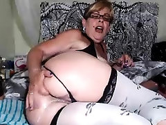 Mature sex melayu rogol adik ipar strip and masturbate
