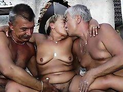 OmaHoteL hot metua of Grannies and Moms