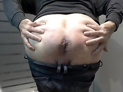 Mr BigHOLE Big Ass Horny Gay Escort Show His Big Used Ass