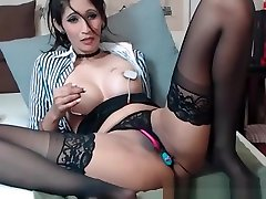 Brunette Milf Play With Electric And sex vith dogs Toy