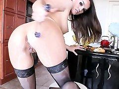 alana rae lesbian babe masturbates during solo scene